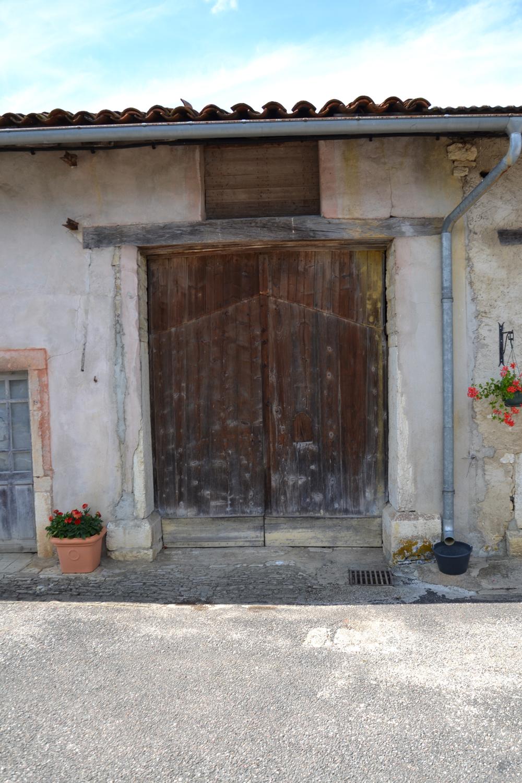 Caue franche comt for Linteau fenetre