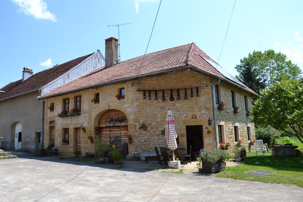 Pierre jaune du jura - Maison en pierre apparente ...