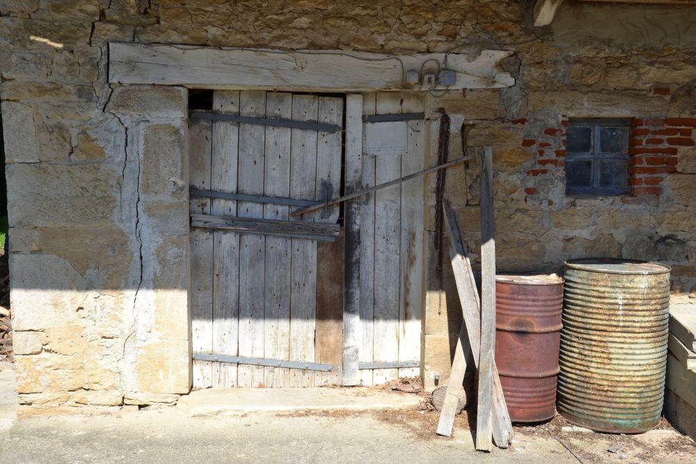 de grange en anse de panier, à gauche Linteau droit en bois, à ~ Linteau En Bois